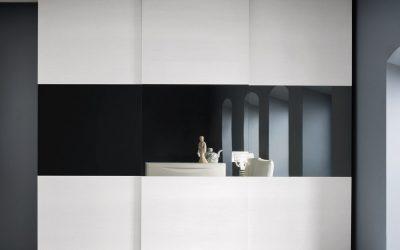 ארון טלוויזיה לבן סטריפ שחור