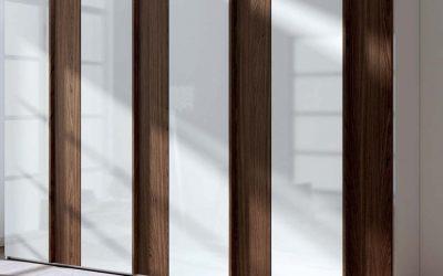 ארון פתיחה מסוגנן לבן ועץ